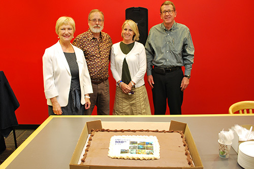 memo-2015-09-library-opening-1-500x333